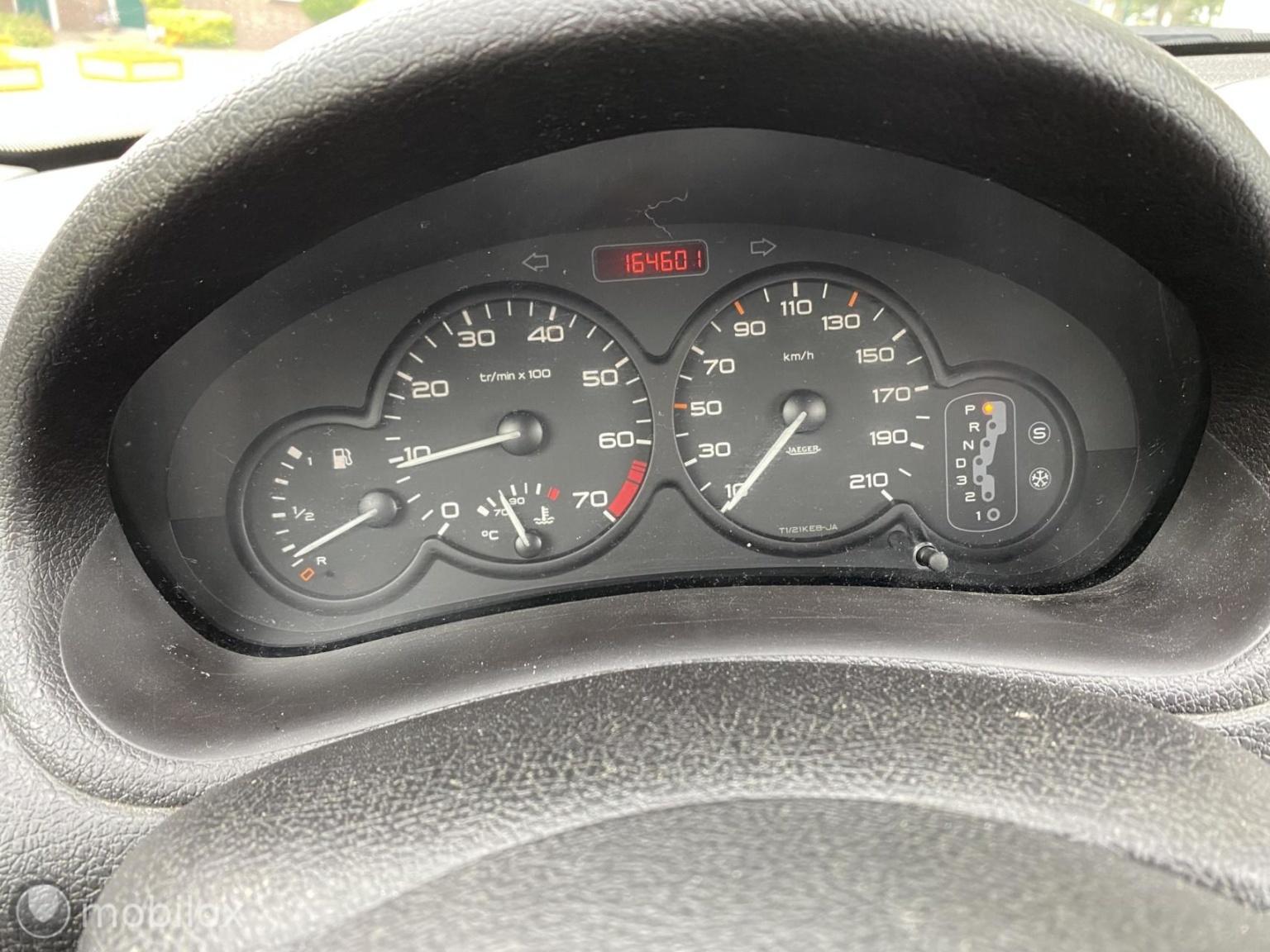 Peugeot-206-6